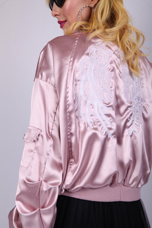 Бомбер с вышивкой розовый 50